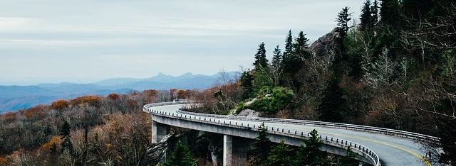 Straße in den Bergen